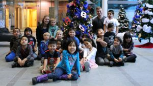 The kindergarten class after decorating the tree at the Legislative Assembly.