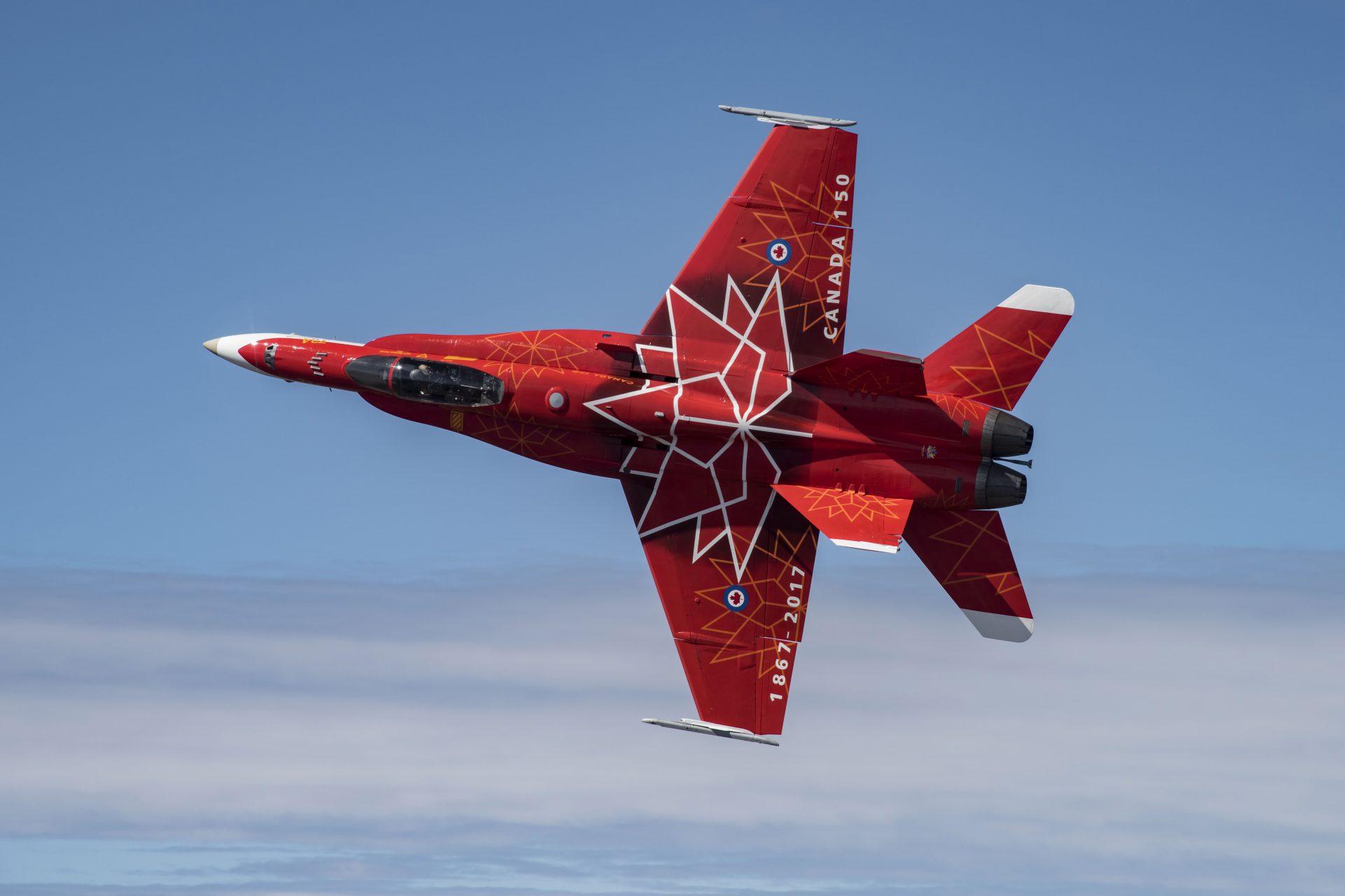 Royal Canadian Air Force Hornet, the 2017 season CF-188 Demonstration Jet Photo: Cpl Manuela Berger, 4 Wing Imaging